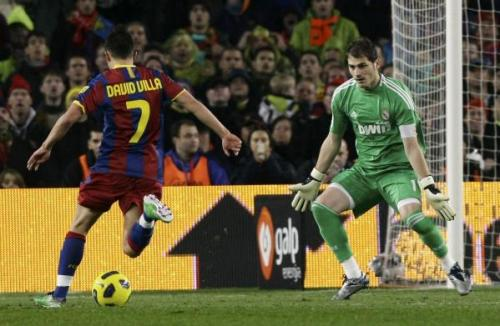 Давид Вилья David Villa Икер Касильяс  Iker Casillas Противоборство 2-х игроков сборной Испании