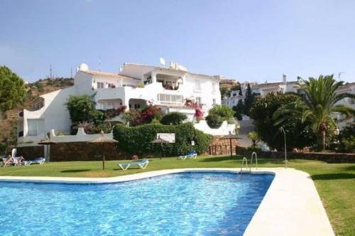 Дом 2 этажа , с видом на море и горы в Марбелье , 2 спальни , 2 ванны, общая площадь 128 м2, плюс+ терраса 22м2, небольшой сад 25м2. Townhouse Marbella