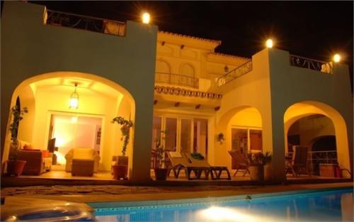 Дом Вилла Фуэнхирола Fuengirola  Коста дель Соль Малага с видом на море Villa Fuengirola