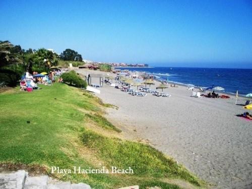 Студия 37 м2, урбанизация на 1-й линии моря, идеальная недвижимость для отдыха для 2-3 человек, сад, бассейн .