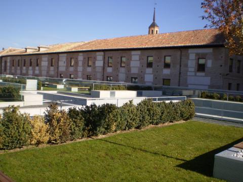Сеть Отелей Парадор Hotel Parador Отель Парадор в Алкале де Энарес в Монастыре Санто Томас  Convento de Santo Tomás