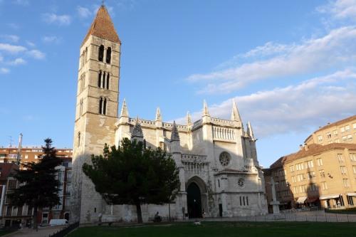 Одна из самых старых церквей Испании Санта Мария де Антигуа XI  век город Вальядолид Iglesia de Santa María de La Antigua Valladolid