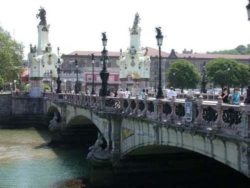 Мост Марии Кристины Puente María Cristina городе Доностиа  Donostia  Сан Себастьян San Sebastian