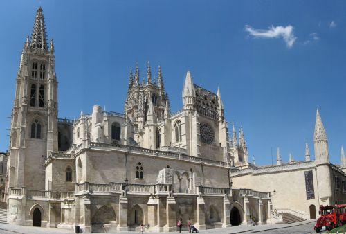 Кафедральный  готический собор города Бургоса Burgos один из самых старых и красивых в Испании