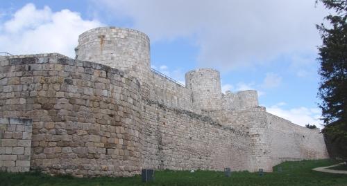 Замок Крепость в городе Бургос Кастильо де Бургос  Castillo de Burgos постоенный в 884 году.
