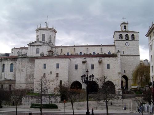 Кафедральный Собор Сантандера Catedral de Nuestra Señora de la Asunción de Santander постройки 12-14 веков .