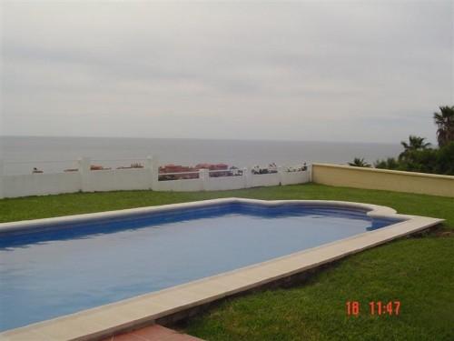 Новая вилла Эстепона Estepona Коста Дель Соль Costa del Sol провинция Малага Malaga  с видом на море 380 м2 .