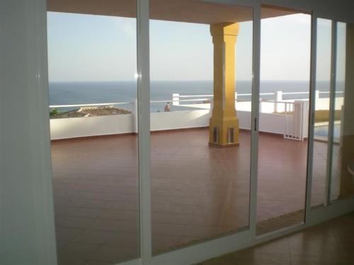 Дом-вилла на Коста дель Соль Costa del Sol свой бассейн, свой сад , гараж
