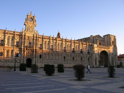 """Сеть отелей Парадорес """"Paradores"""" 93 отеля в Испании"""
