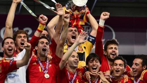 Испания Чемпион Евро 2012 по футболу . Празднования в Мадриде