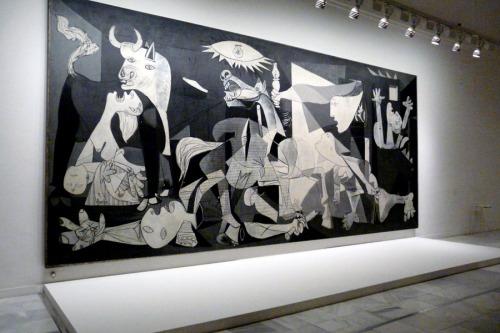 """Пабло Пикассо Pablo Ruiz Picasso """"Герника Guernica"""" 1937 год Музей Королевы Софии Мадрид Испания"""