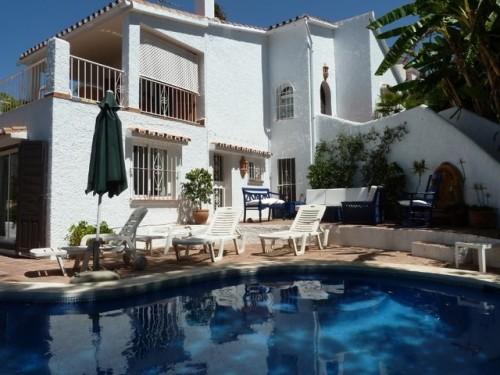 Предложение продажа недвижимости на Коста дель Соль , провинция Малага , вилла  Марбелья Marbella  4 спальни , 4 ванны .