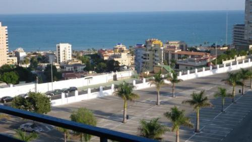 Апартаменты в Торремолиносе Torremolinos ,1 спальня, 1 ванна, общая площадь 50 м2, + терраса 5м2,, с видом на море.