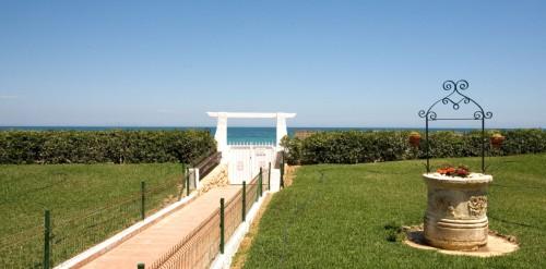 Недвижимость в Испании. Продажа апартаментов Коста Бланка Costa Blanca , Дения Dénia , 1- я линия моря , студия 30 м2, цена 44.000 евро €