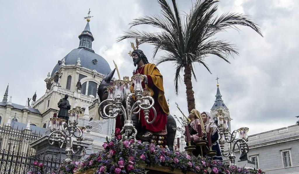 Католическая Пасха, Святая неделя (Страстная неделя) Семана Санта Semana Santa, в Испании в 2020 году.