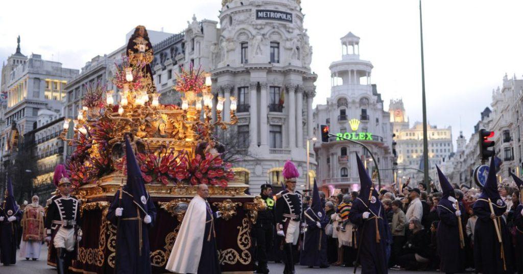 Католическая Пасха, Святая неделя (Страстная неделя) Семана Санта Semana Santa, в Испании в 2021 году.